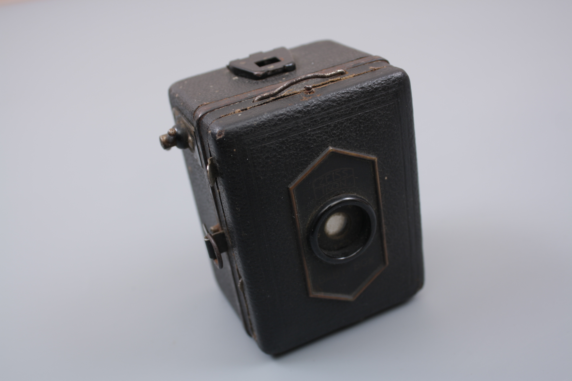 Фотоаппарат ZEISS IKON Baby Box 1920-е гг., Германия.